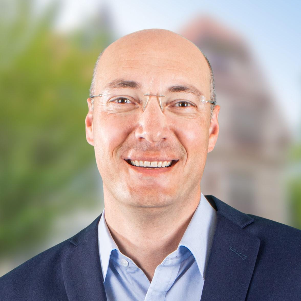Abbildung von <h1>Dr. Timo Czech</h1>